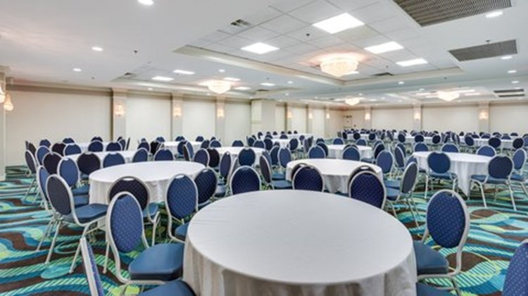 Holiday Inn Express Ballroom