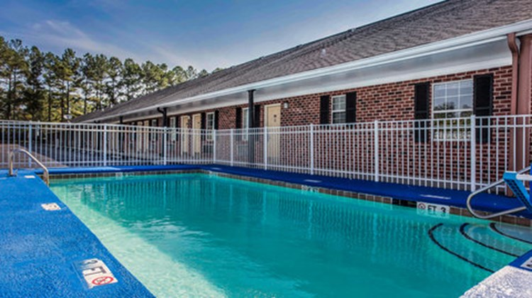 Econo Lodge Santee Pool