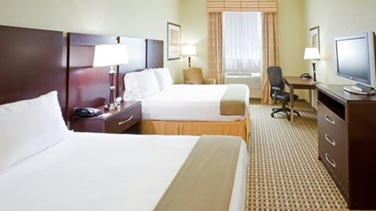 Holiday Inn Express Fort Worth I-35 Room