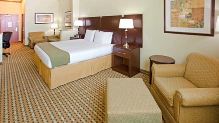 Holiday Inn Express Fort Worth I-35 Suite