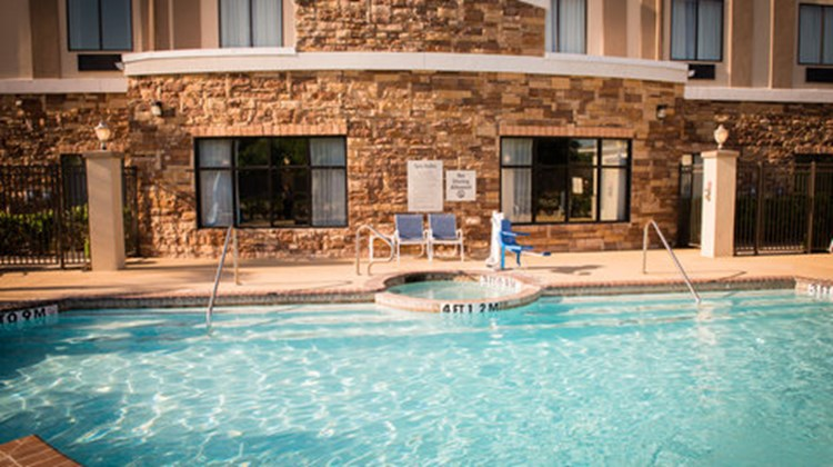 Holiday Inn Express & Suites Beltway 8 Pool