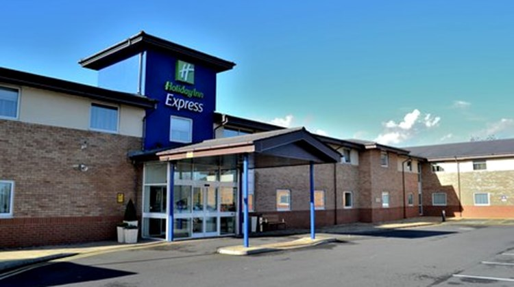 Holiday Inn Express Shrewsbury Exterior