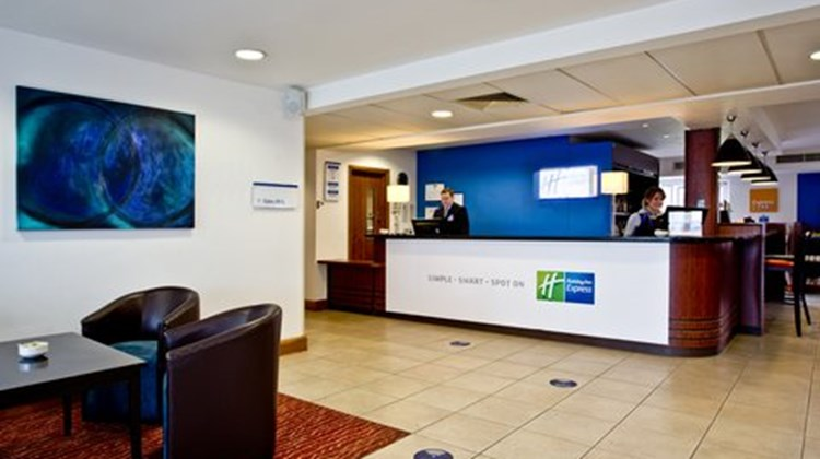 Holiday Inn Express Shrewsbury Lobby