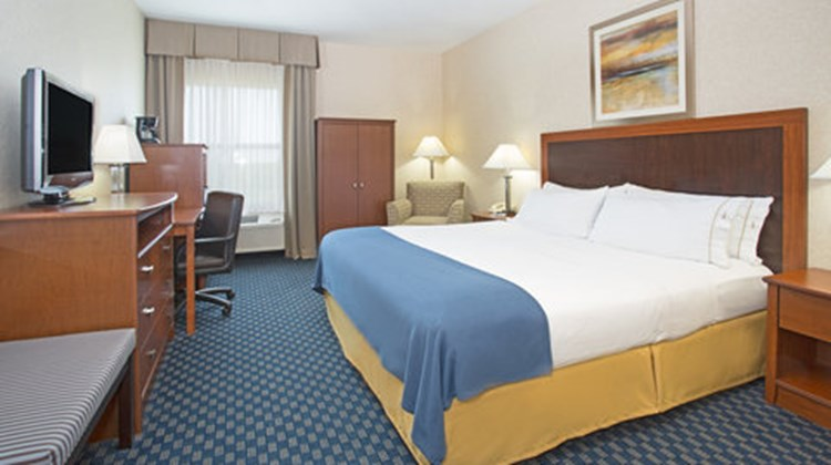 Holiday Inn Express & Suites Abilene Room