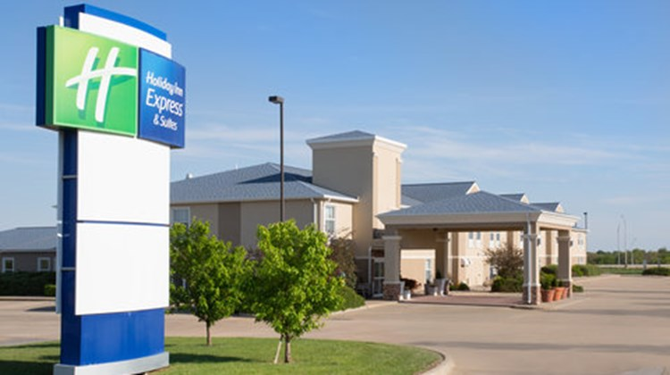 Holiday Inn Express & Suites Abilene Exterior