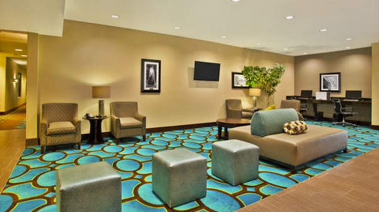 Holiday Inn Express Hastings Lobby