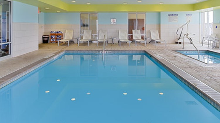 Holiday Inn Express & Suites Terre Haute Pool
