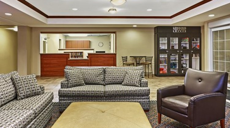 Candlewood Suites Milwaukee Airport Lobby
