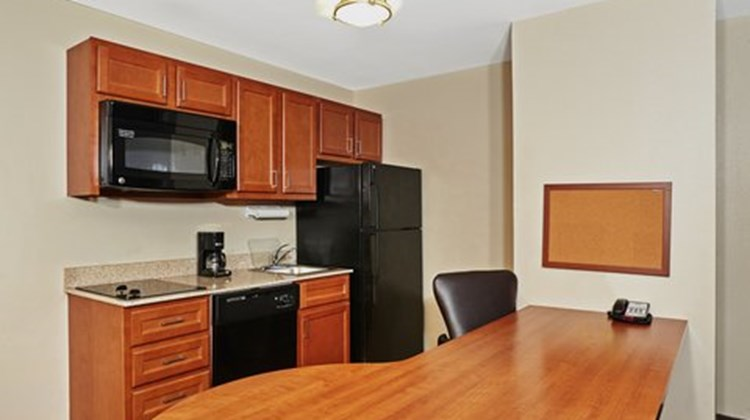 Candlewood Suites Milwaukee Airport Suite