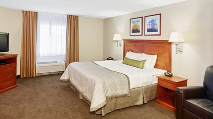 Candlewood Suites Milwaukee Airport Room