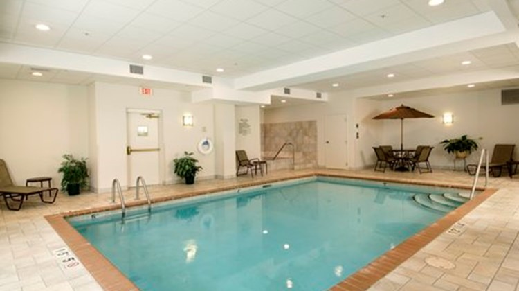 Holiday Inn Express & Suites Downtown Pool