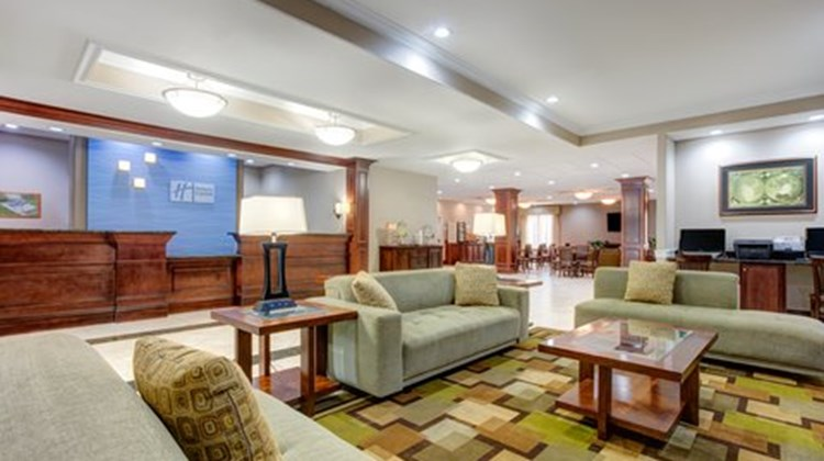 Holiday Inn Express & Suites Galliano Lobby