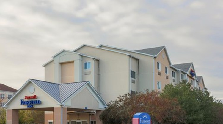Fairfield Inn by Marriott Erie Exterior