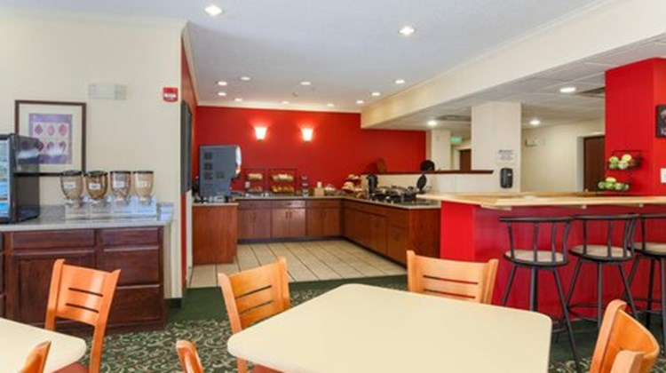 Fairfield Inn by Marriott Erie Restaurant
