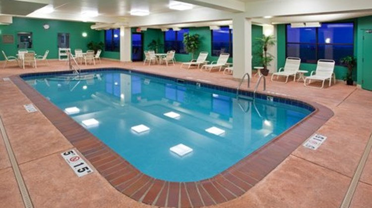 Holiday Inn Express Suites Pool