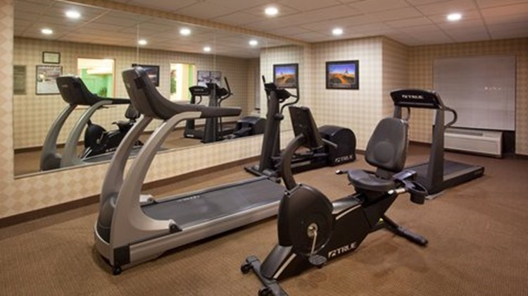 Holiday Inn Express Suites Health Club