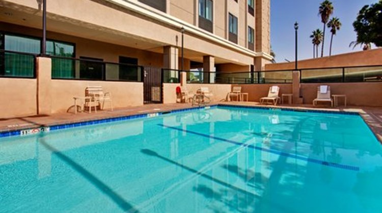 Holiday Inn Express Los Angeles Pool