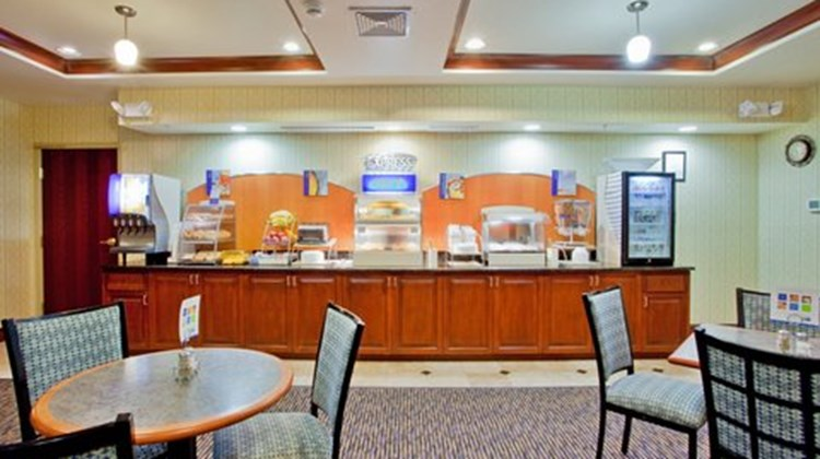 Holiday Inn Express & Suites  Exmore, VA Restaurant