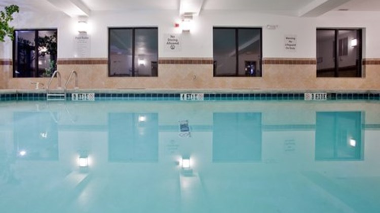 Holiday Inn Express & Suites  Exmore, VA Pool