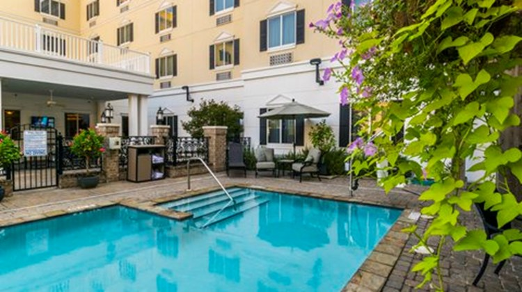 Candlewood Suites Mobile Downtown Pool
