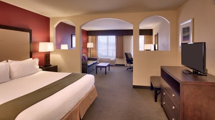 Holiday Inn Express & Sts Mesquite Room