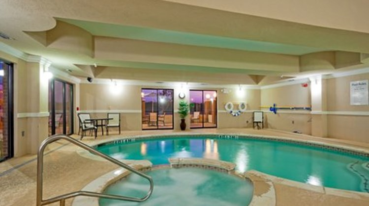 Holiday Inn Express Hotel/Suites Ennis Pool