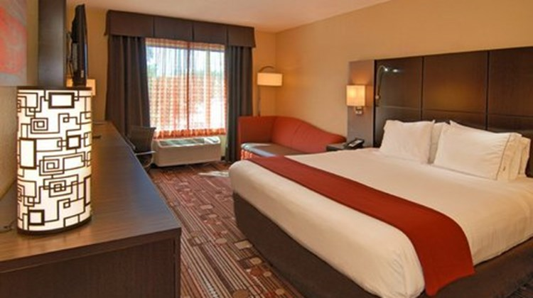 Holiday Inn Express Convention Center Room