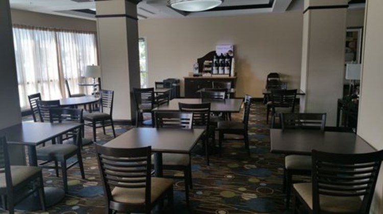 Holiday Inn Express Hotel & Suites West Restaurant