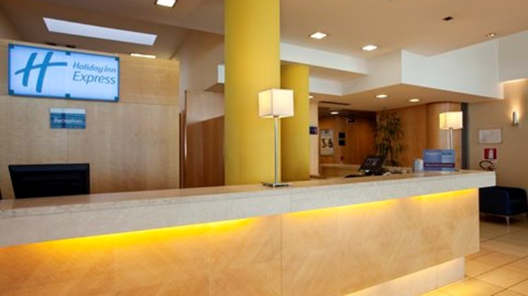 Holiday Inn Express Bologna-Fiera Lobby