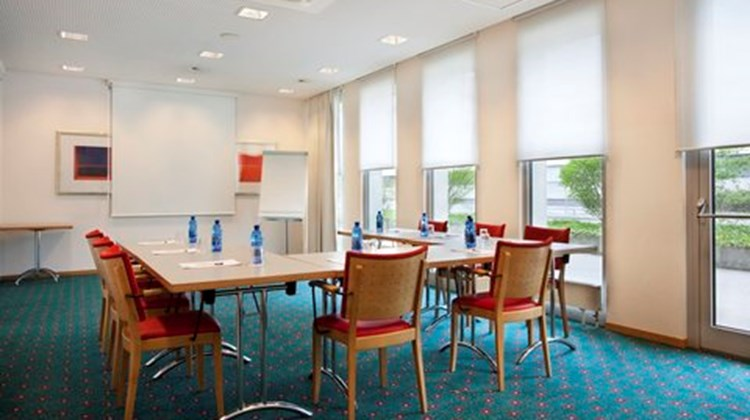 Holiday Inn Express Geneva Airport Meeting