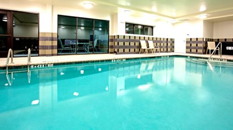 Holiday Inn Express Htl & Stes Univ Area Pool