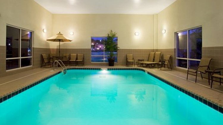 Holiday Inn Express & Suites Lake Zurich Pool