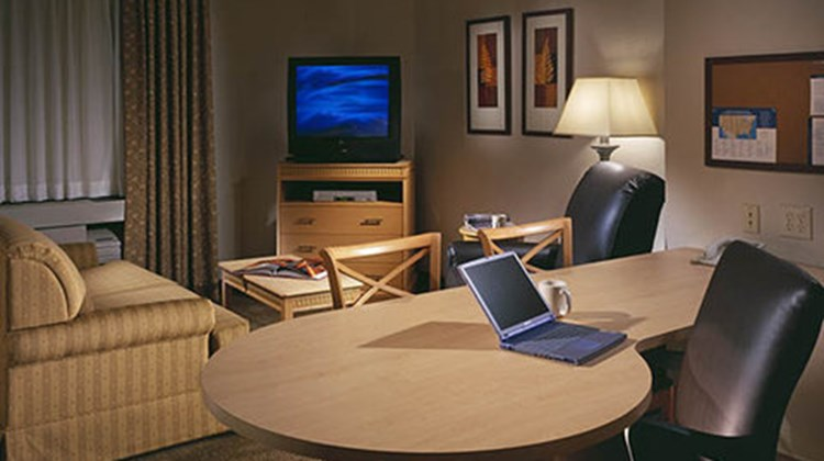 Candlewood Suites Fort Smith Room