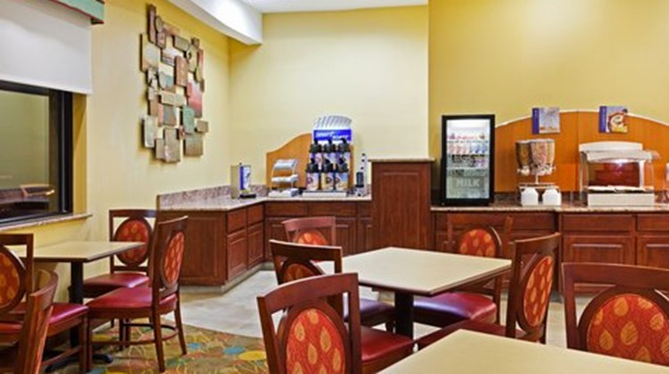 Holiday Inn Express Greensboro Restaurant