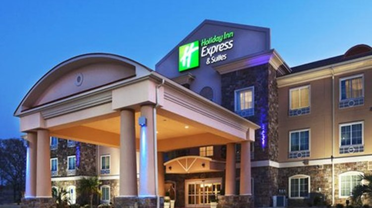 Holiday Inn Express Hotel/Suites Exterior