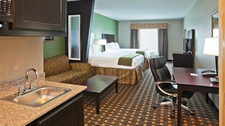 Holiday Inn Express Hotel/Suites Suite