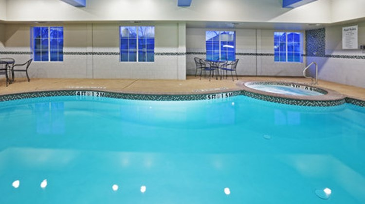 Holiday Inn Express Hotel/Suites Pool
