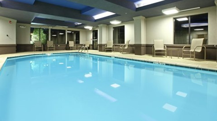 Holiday Inn Express Hotel & Sts Maumelle Pool