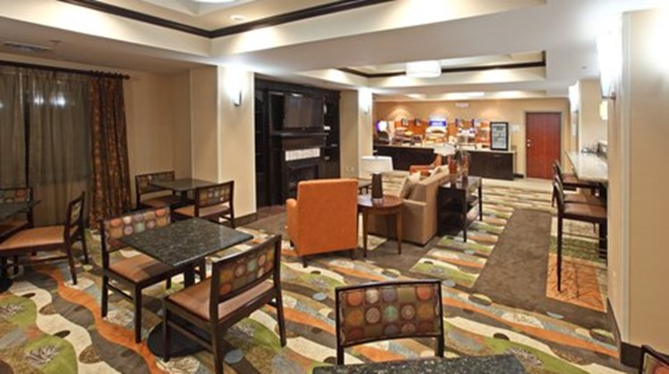 Holiday Inn Express Hotel & Sts Maumelle Restaurant