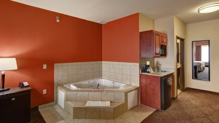 Holiday Inn Express & Suites Altus Suite