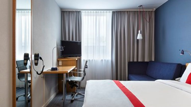 Holiday Inn Express Cologne Troisdorf Room