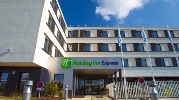 Holiday Inn Express Dijon Exterior