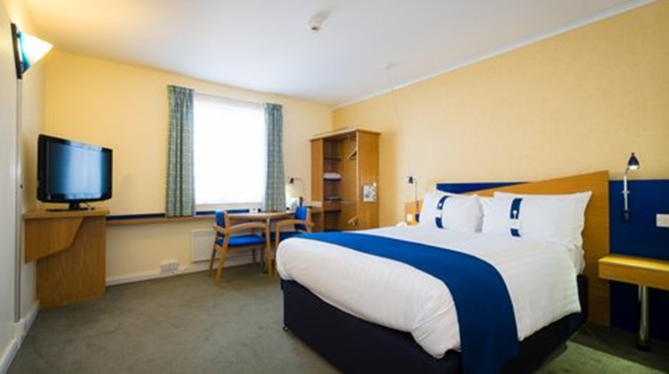 Holiday Inn Express Aberdeen City Centre Room