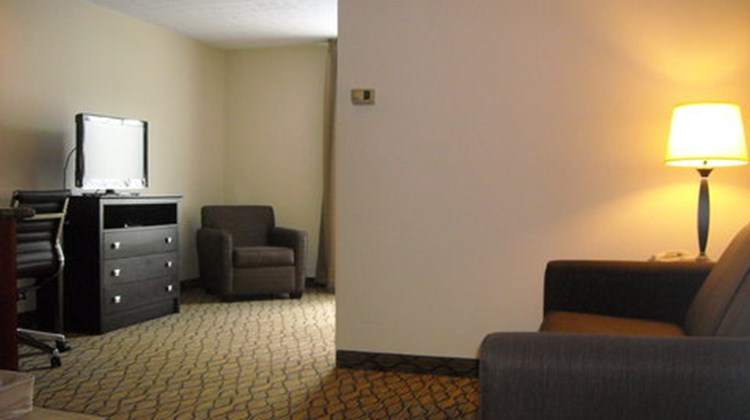 Holiday Inn Express Suite