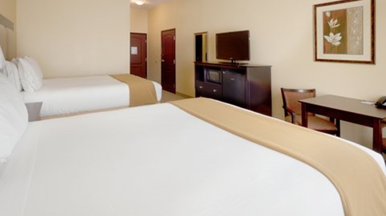 Holiday Inn Express & Suites Georgetown Room