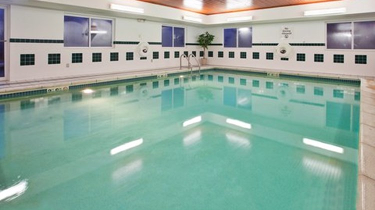 Holiday Inn Express Kirksville Pool