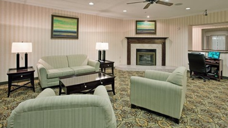 Holiday Inn Express Kirksville Lobby