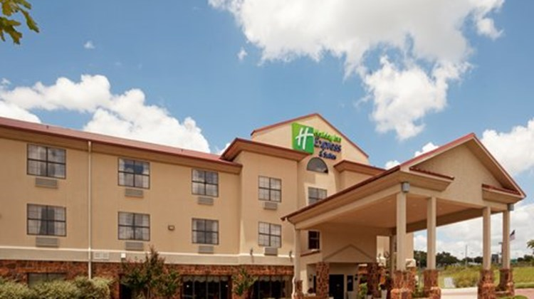 Holiday Inn Express & Suites Kerrville Exterior