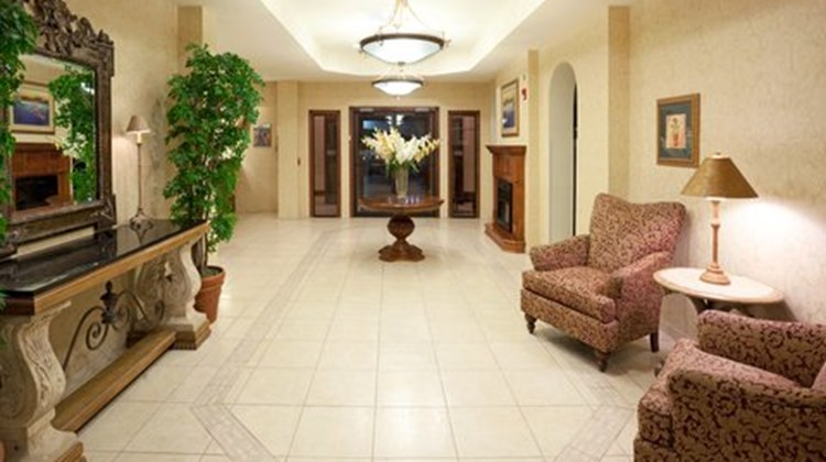 Holiday Inn Express & Suites Kerrville Lobby