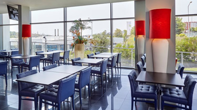 Holiday Inn Express Lisbon Alfragide Restaurant